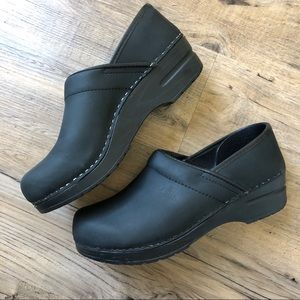 Sanita Work Clog Black Oiled Leather Slip On 38